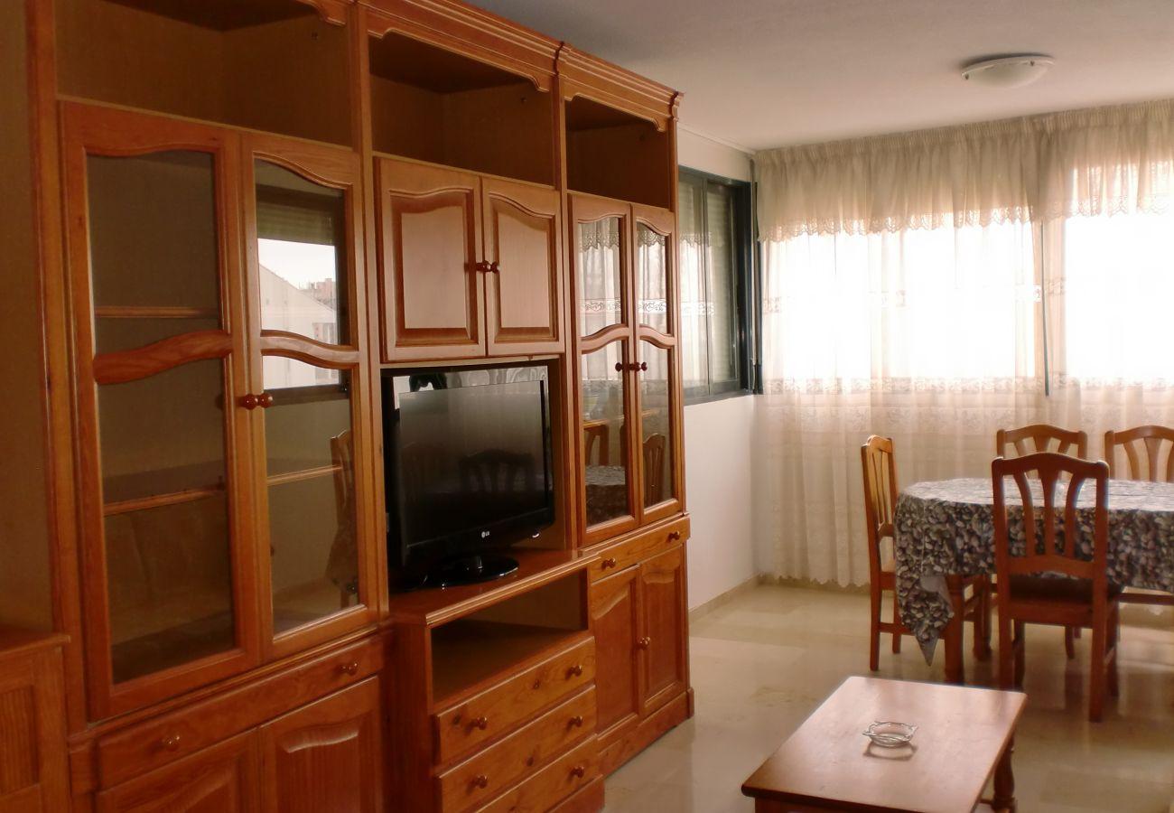 Apartamento en Benidorm - KENNEDY 2 (2 DORMITORIOS)