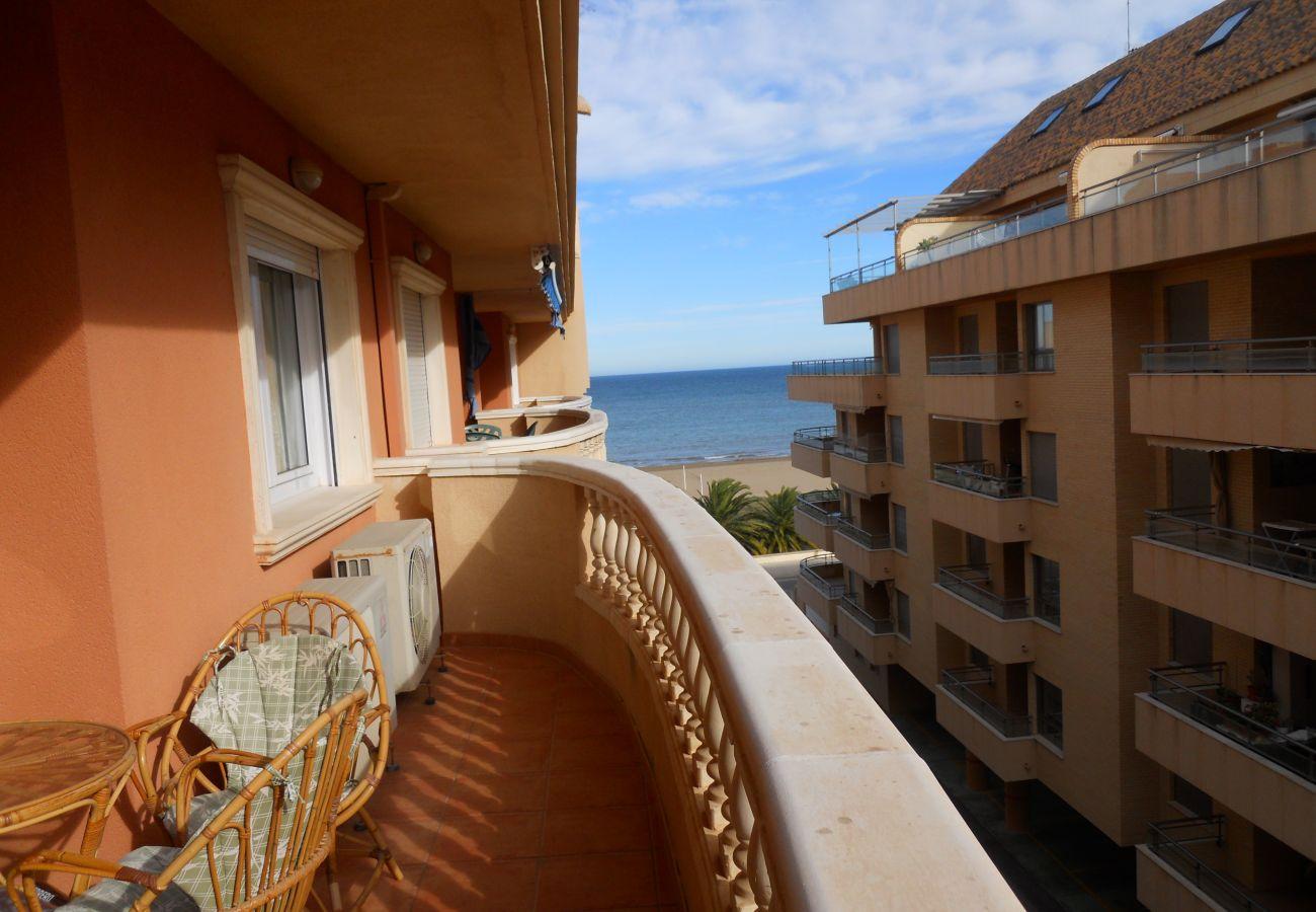Apartamento en Denia - Apartamento frente a la playa muy cerca de Denia