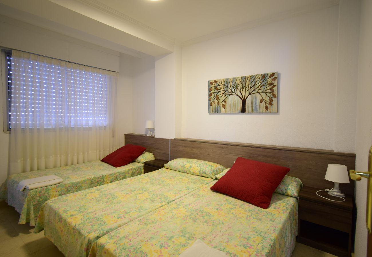 Apartamento en Benidorm - CAROLINA (3 DORMITORIOS)